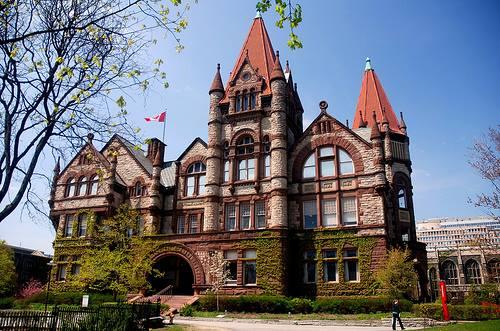 Victoria College building